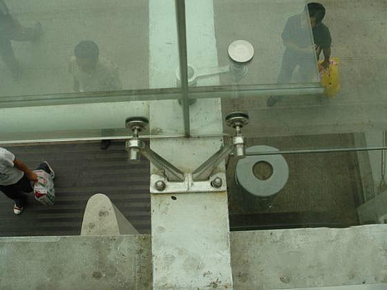玻璃幕墙维修